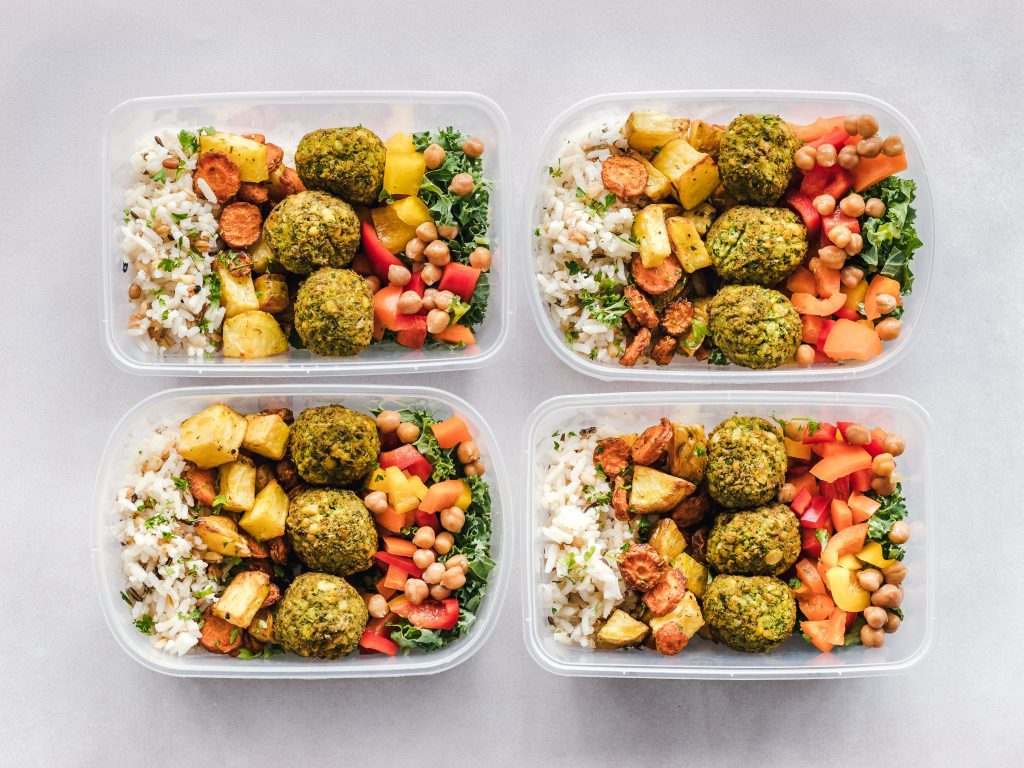 A Complete Beginner's Guide To Meal Prepping