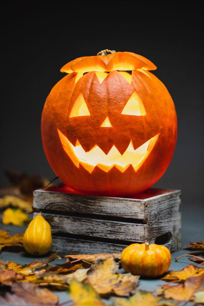 13 Ways To Celebrate Halloween During The Spooky Season.